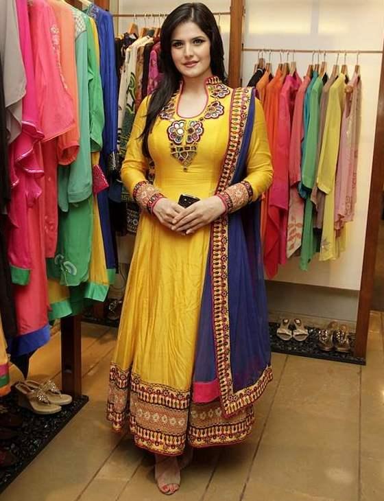 Look Slim In Indian Ethnic Wear  Women Attire - Urbanmadam-9181